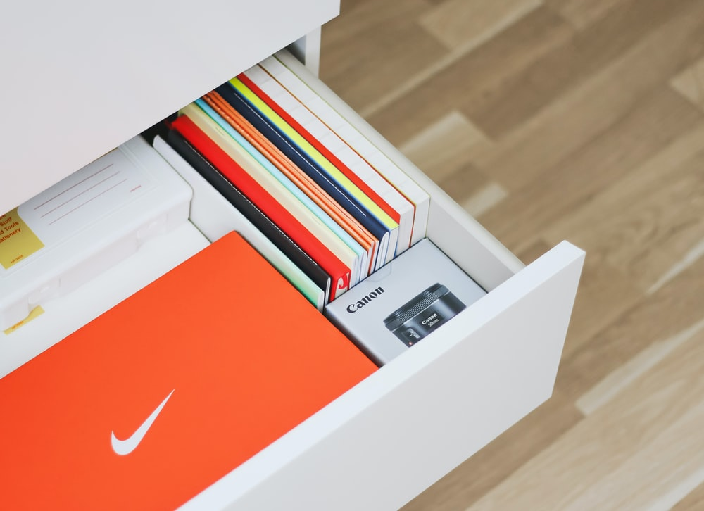 white and red nike shoe box