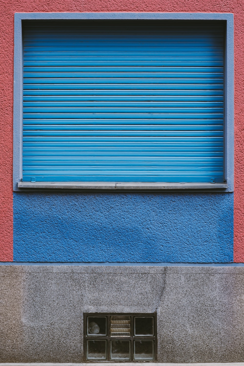 blue window blinds on window