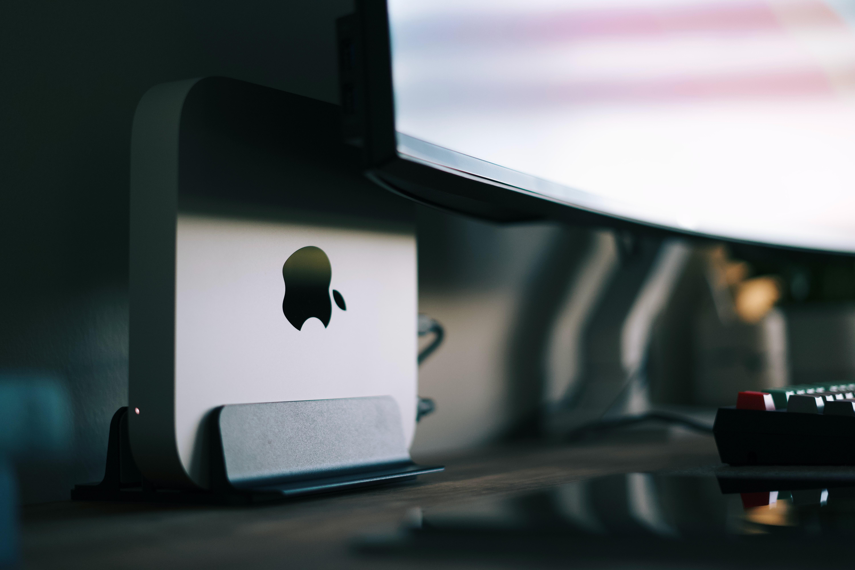 Mac mini with Apple's new M1 chip.