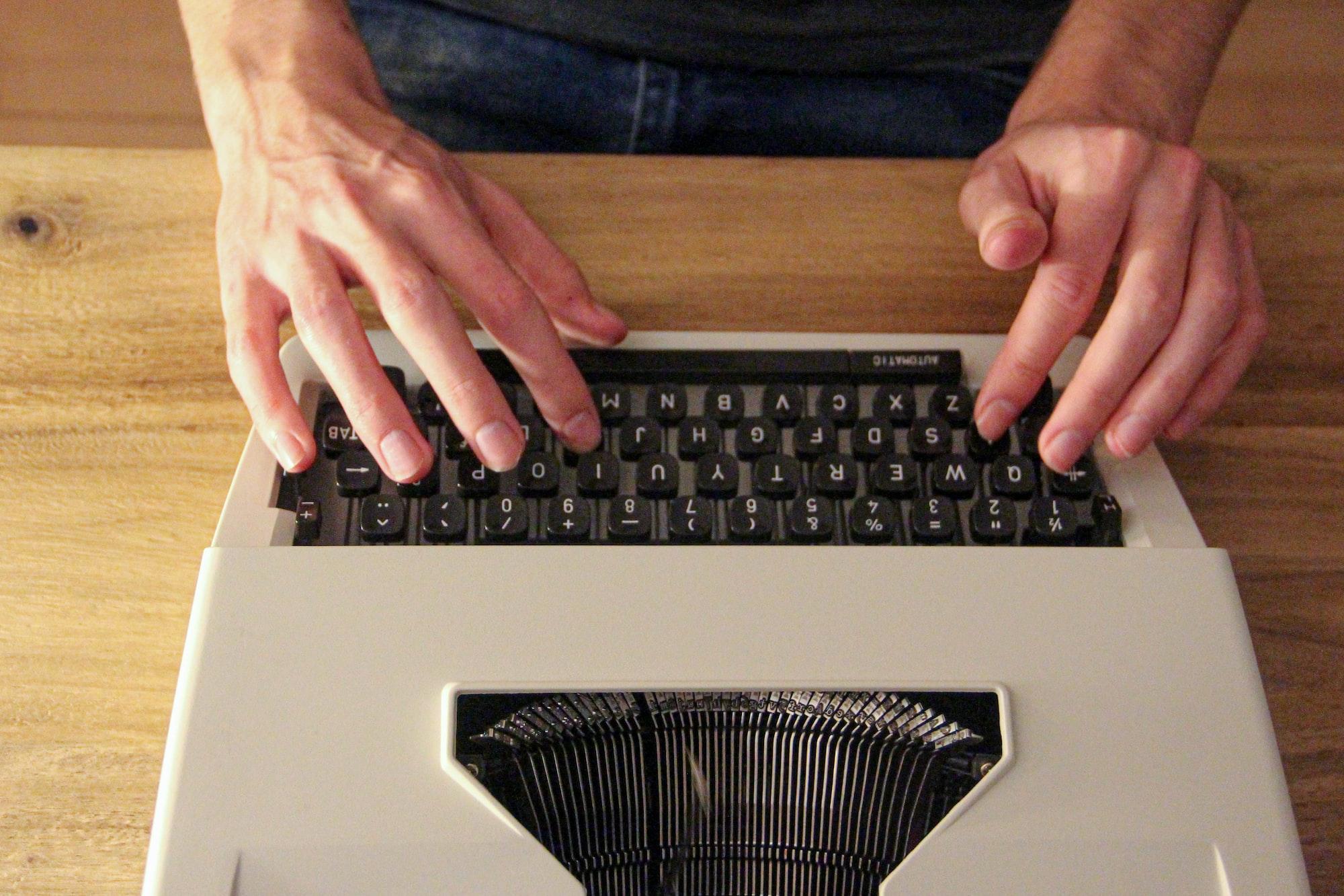 8-tips-til-at-skrive-de-bedste-tekster-til-din-hjemmeside