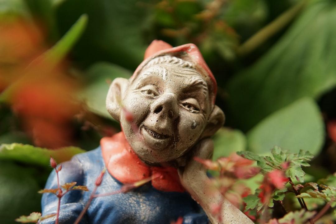 Sms Gnomes (All Things Kamal)