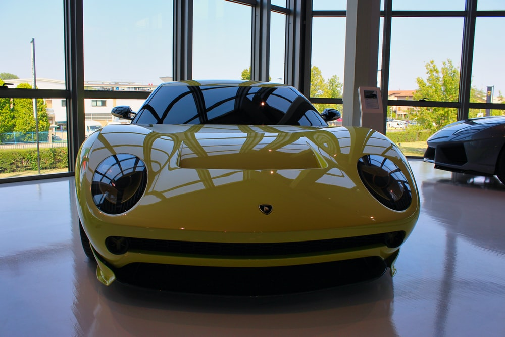 yellow and black lamborghini aventador