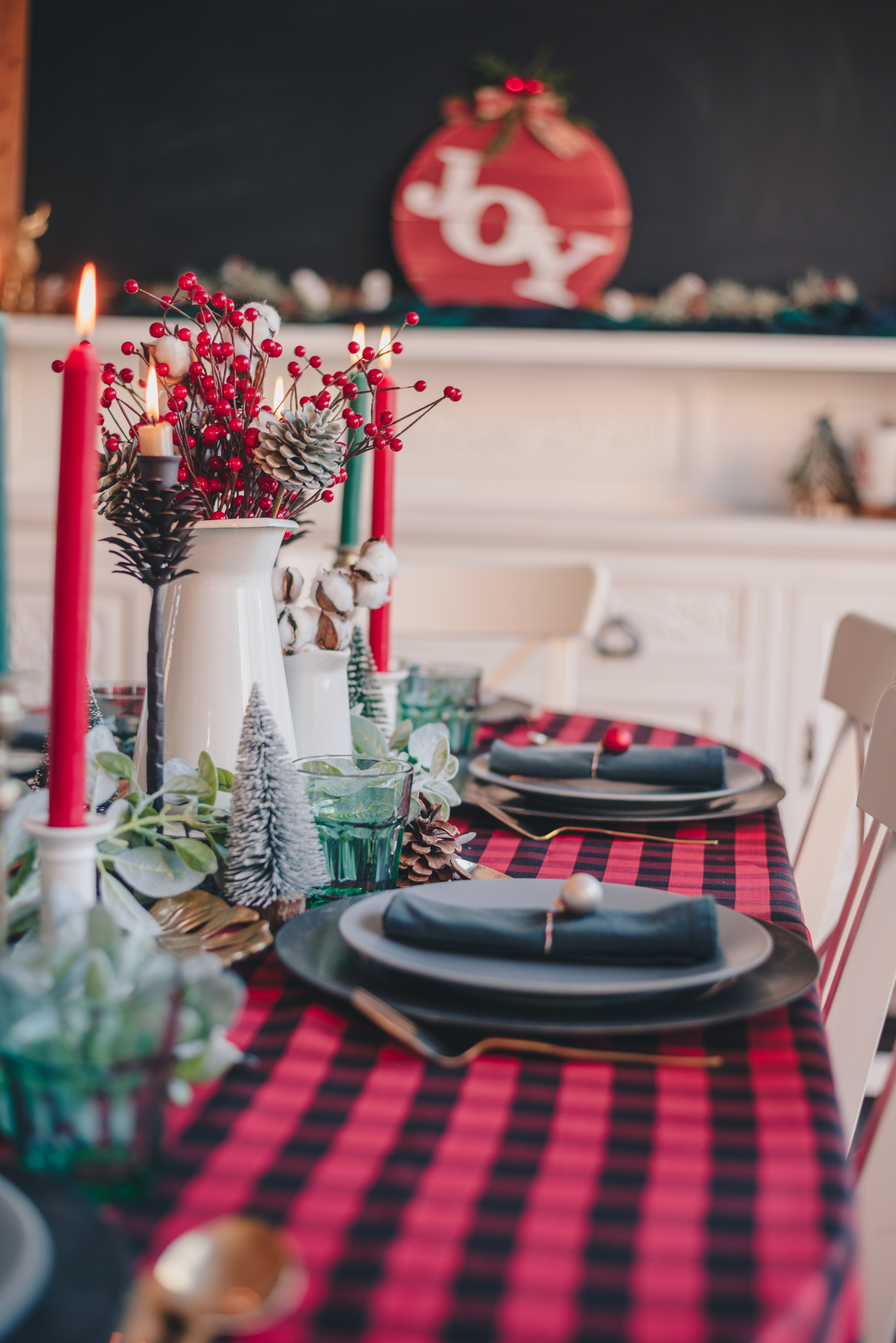Red Candles On Black Round Table Photo Free Home Decor Image On Unsplash