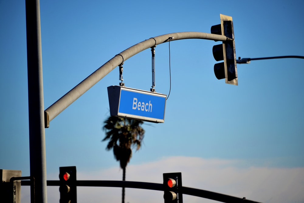 stop light sign on traffic light