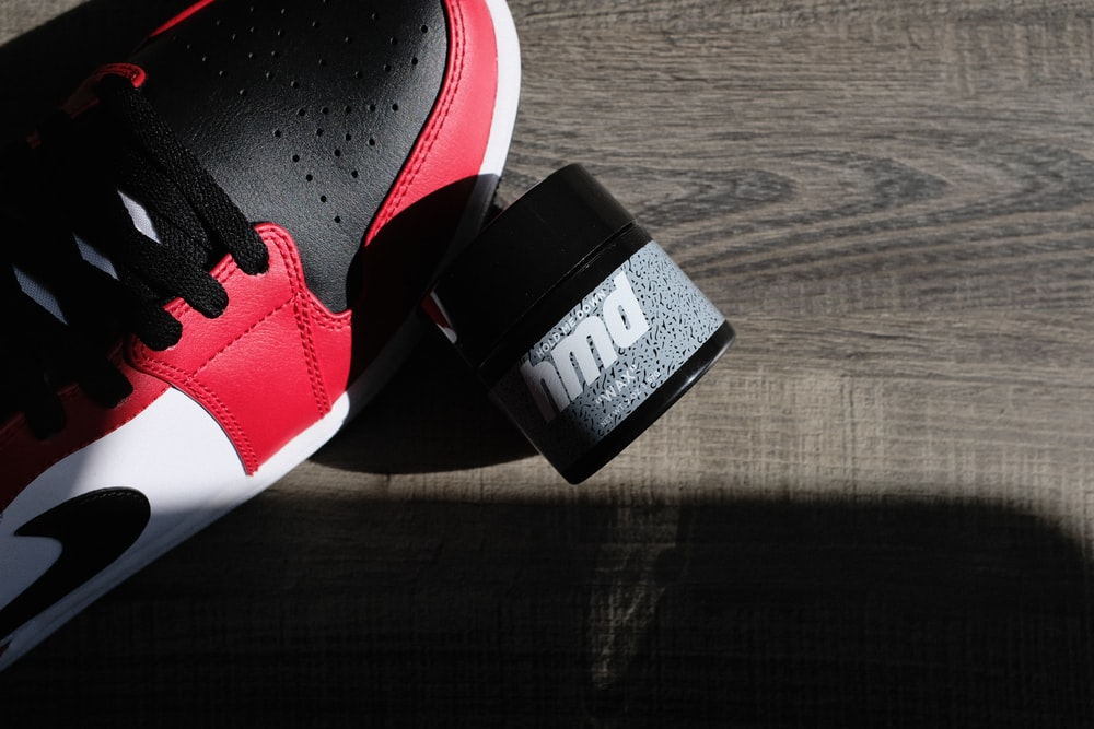 black and white nike sneaker