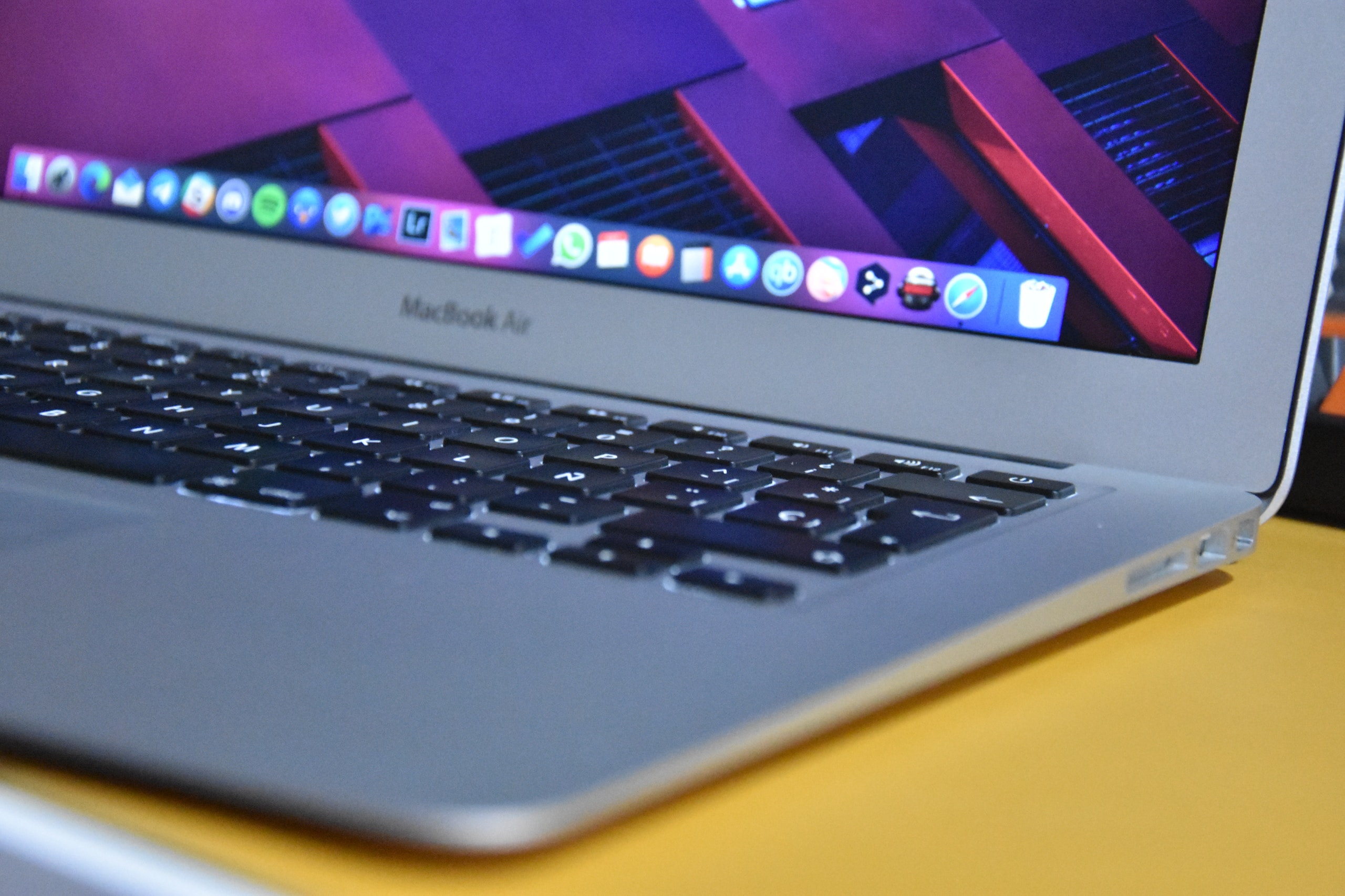 La app de Notas de iOS 15 y macOS Monterey tendrá funciones incompatibles con sistemas operativos antiguos