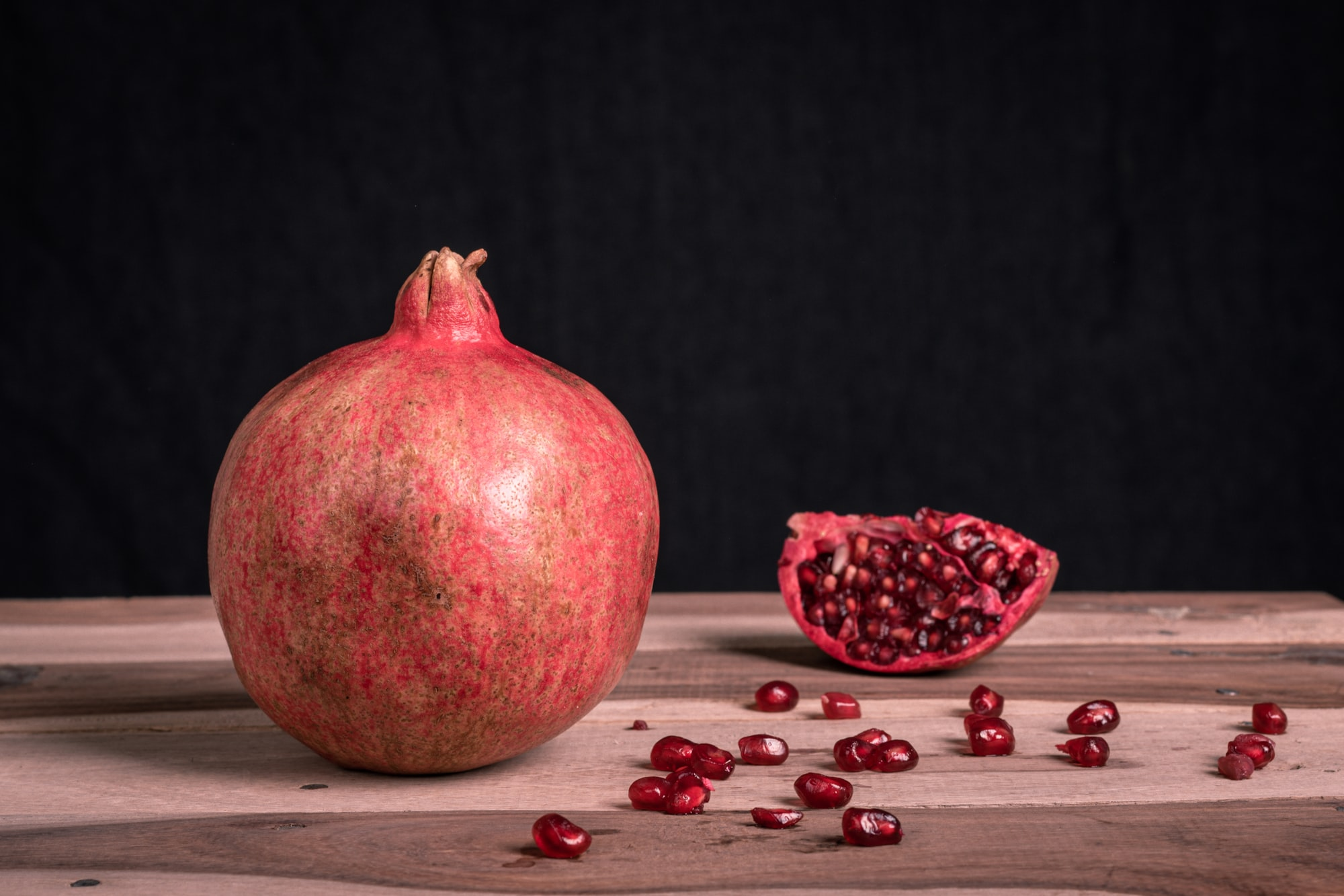 4 amazing benefits of pomegranate on your skin