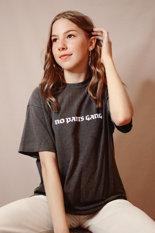 woman in black crew neck t-shirt