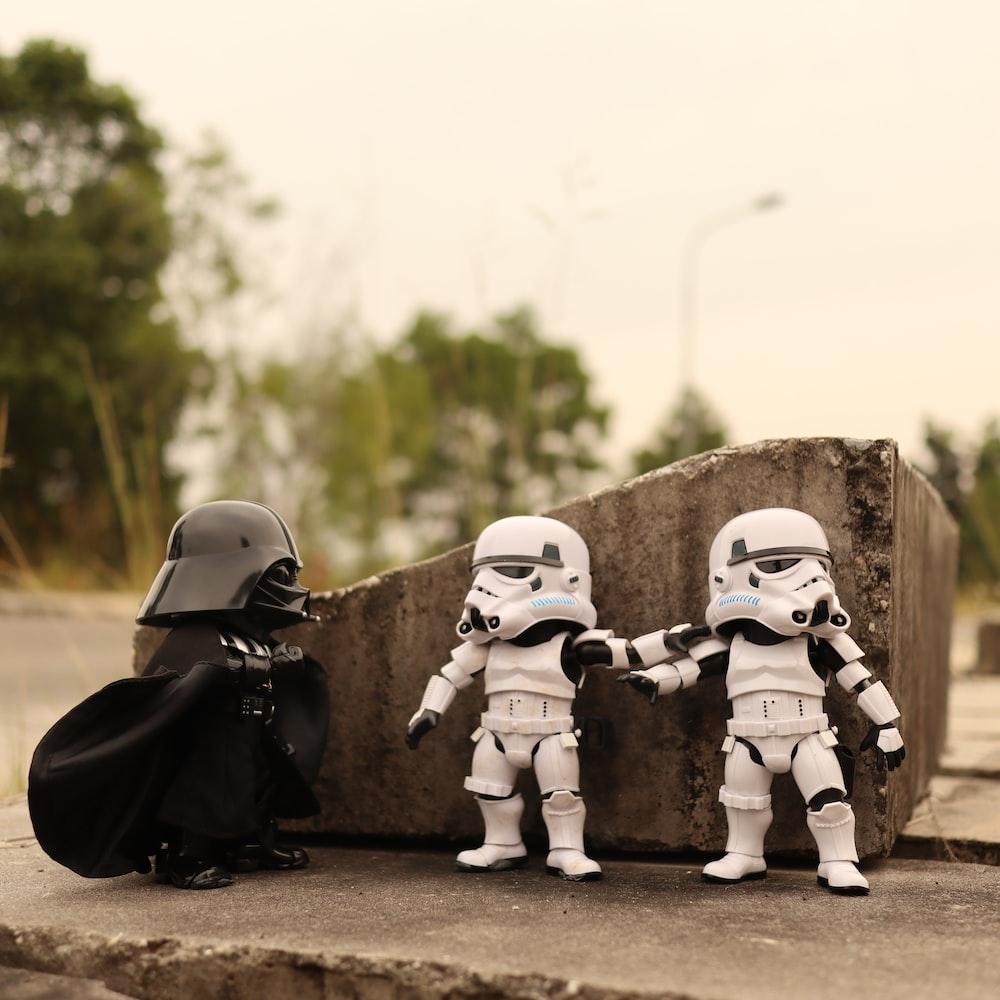 2 star wars storm trooper toys