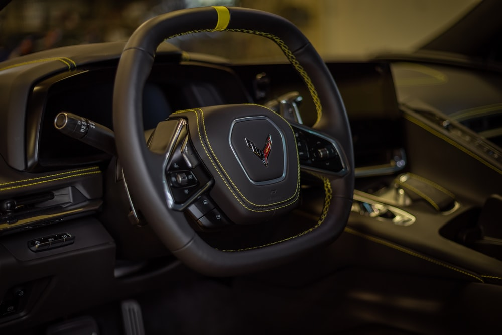 black and gray honda steering wheel