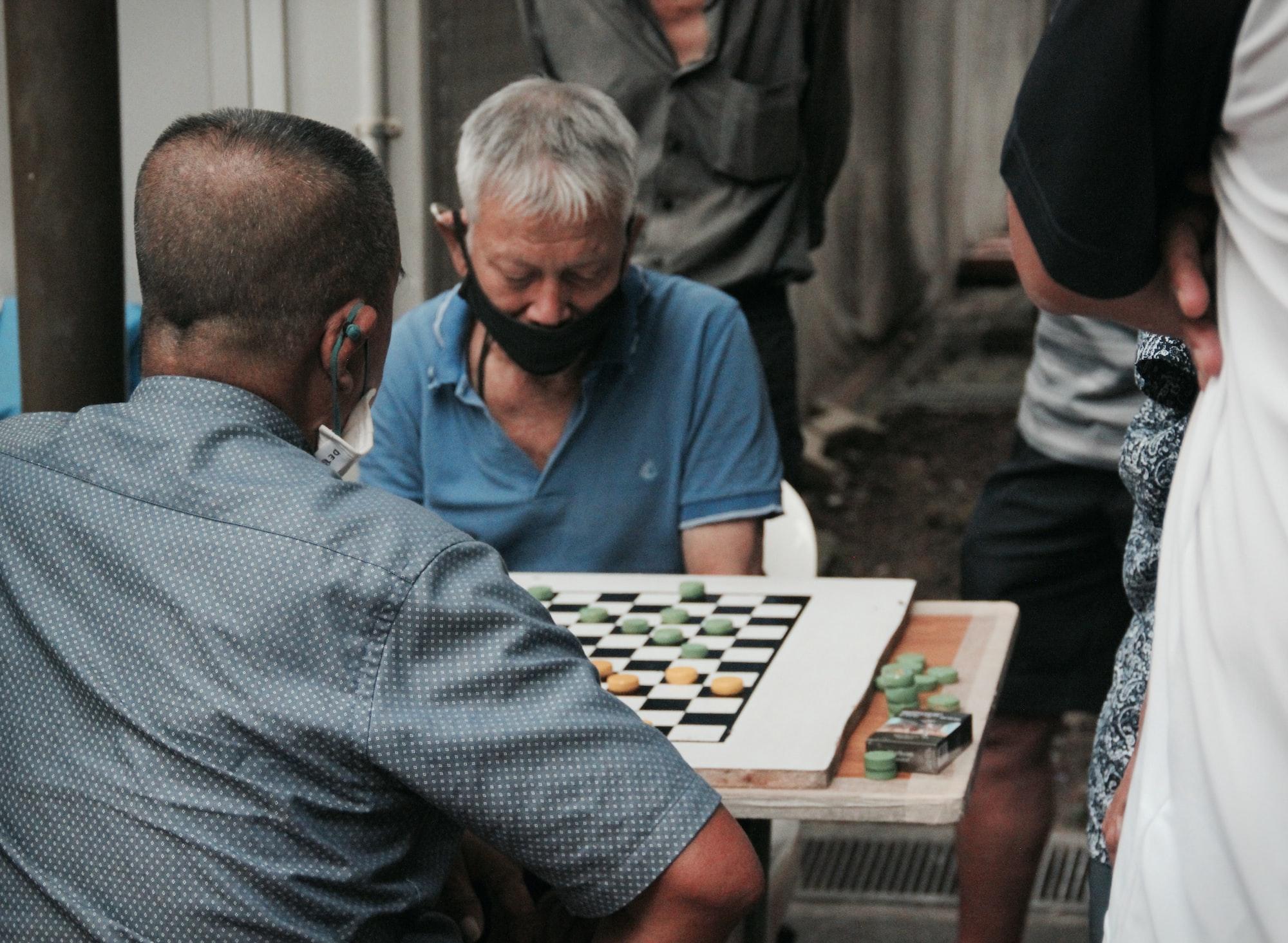 ถ้าชีวิตเปรียบเสมือนร้านเกม เด็กเกาะเบาะก็ไม่ควรแย่งเมาส์คนอื่นมาเล่น