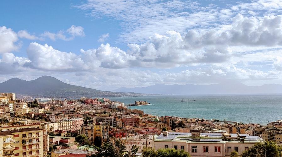 Naples | Photo : Unsplash