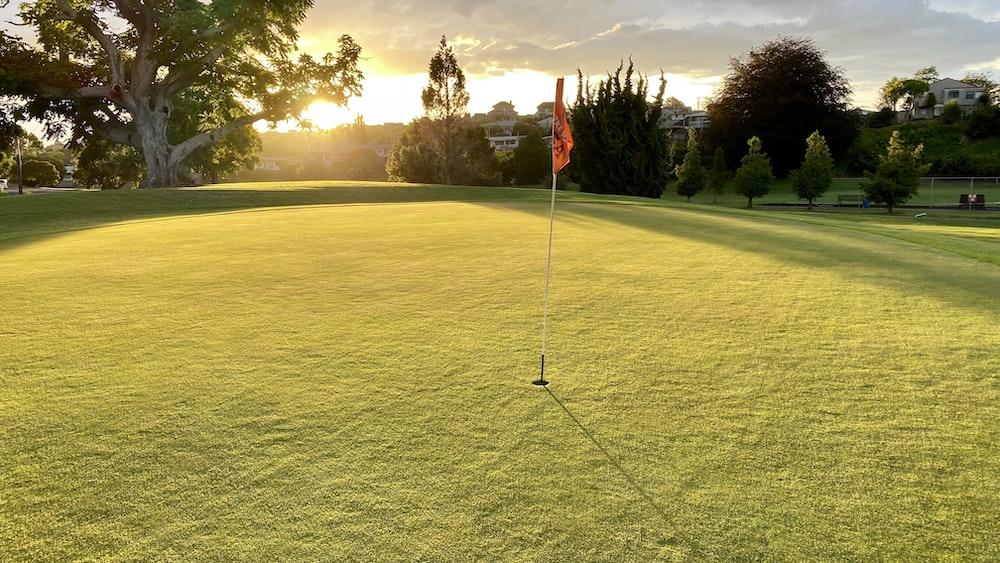 Mit dem Lufttaxi zum schönsten Golfplatz vor Sonnenuntergang
