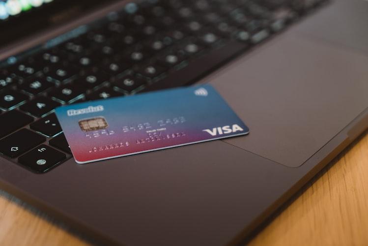 Transfer tunai dengan kartu kredit bisa hingga 60% dari limit kartu kredit.