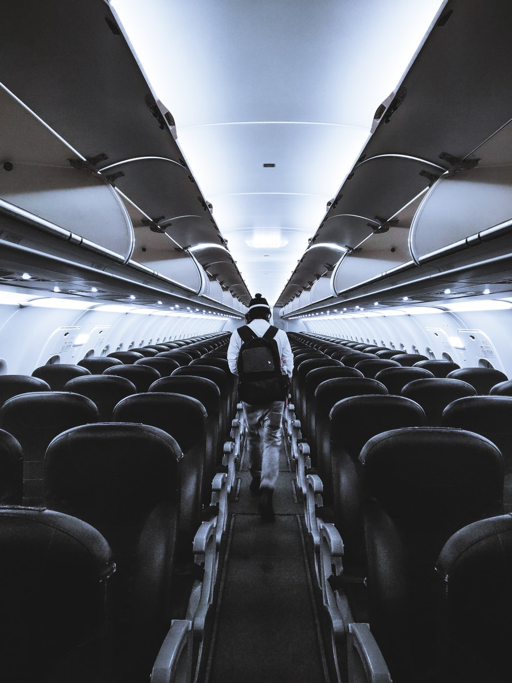 gray and black airplane seats