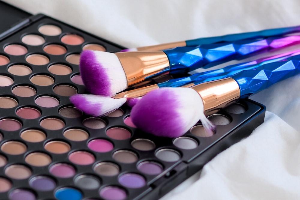 pink and brown makeup brush set