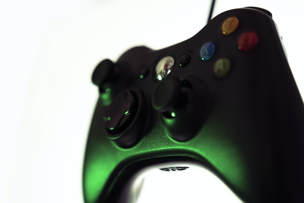 black and green xbox one game controller