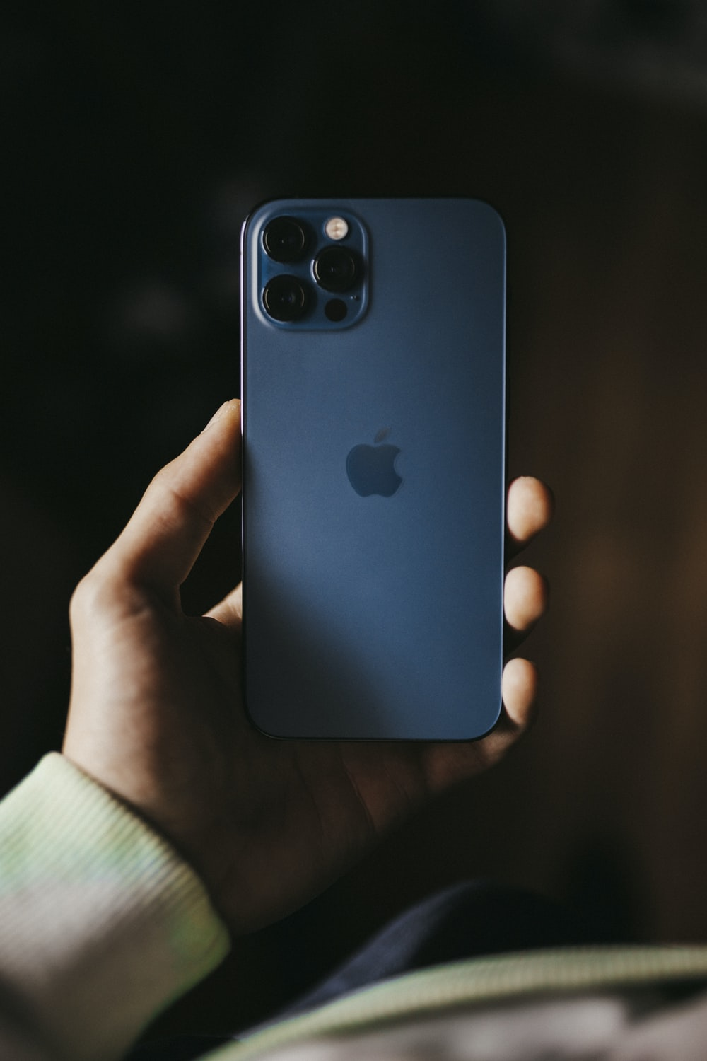 blue iphone 5 c with blue iphone case