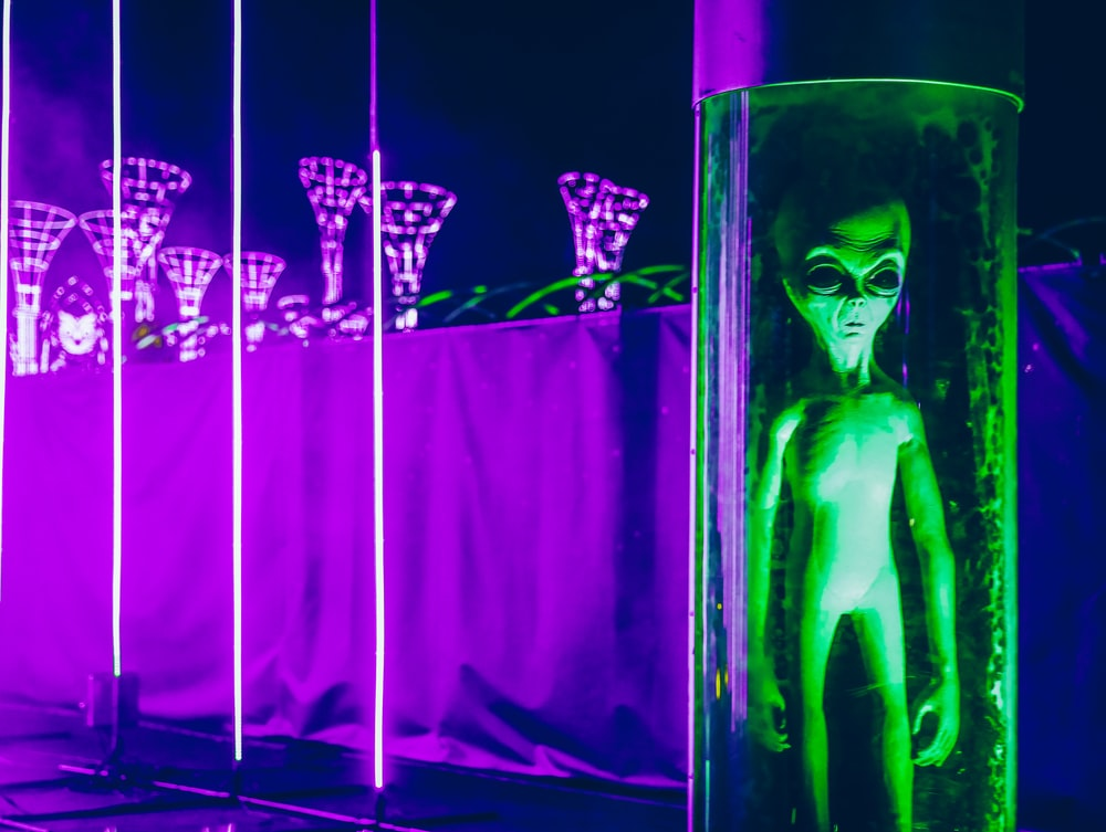 spiritual fiction books with sci fi and quantum physics plot, aliens, UFO, conspiracy theories