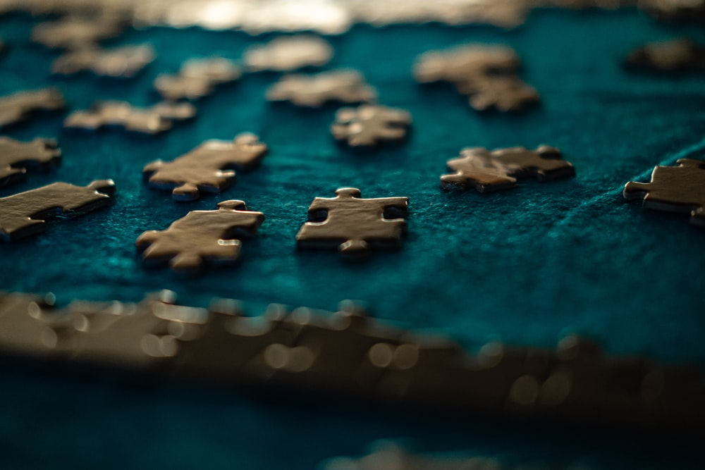 blue and white jigsaw puzzle