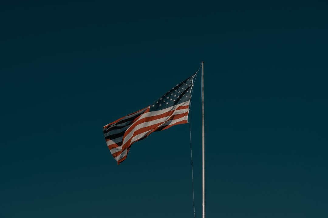 The American Flag 1/2 (ig: @clay.banks) - unsplash