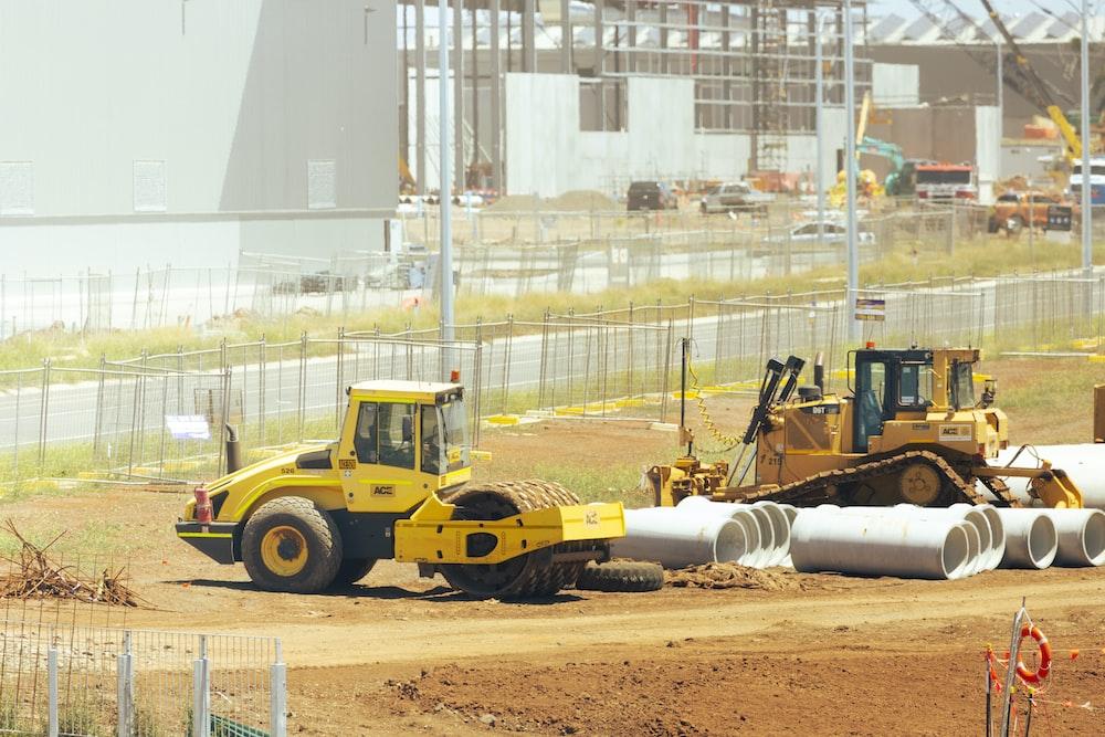 yellow and black heavy equipment