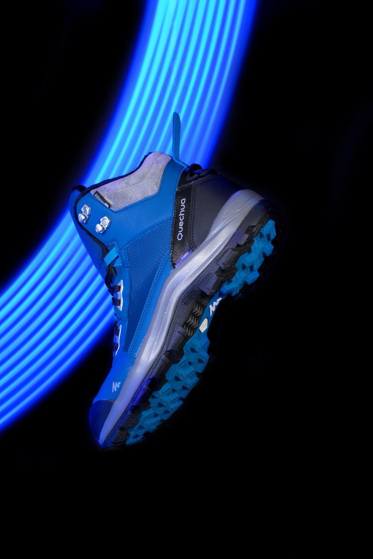 blue and white nike air max