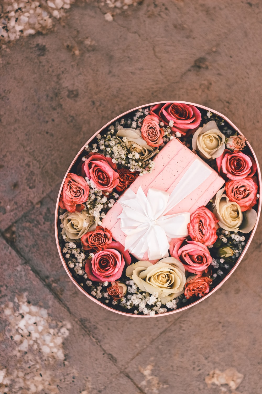 red and white floral ceramic plate