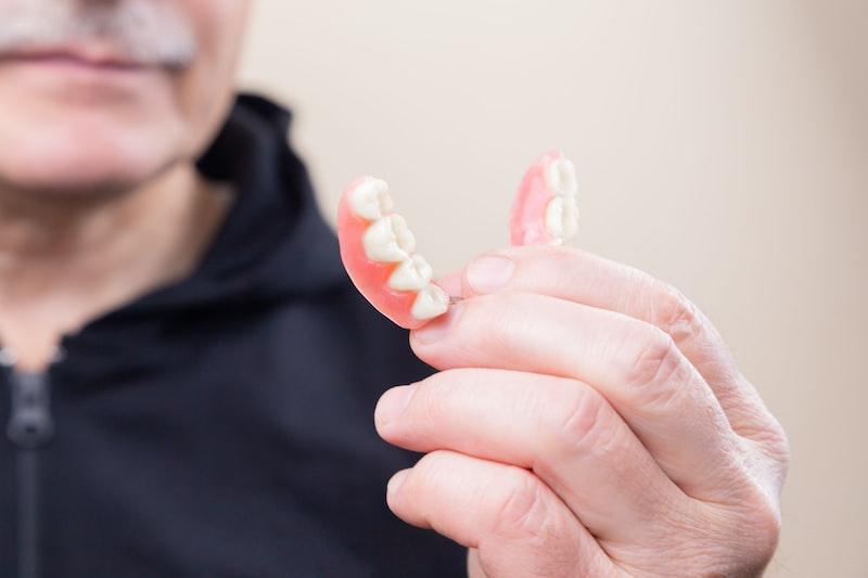 老媽 牙齒 活動假牙