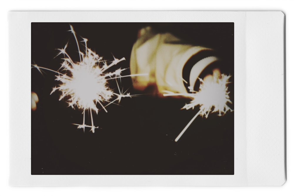 white and yellow fireworks display