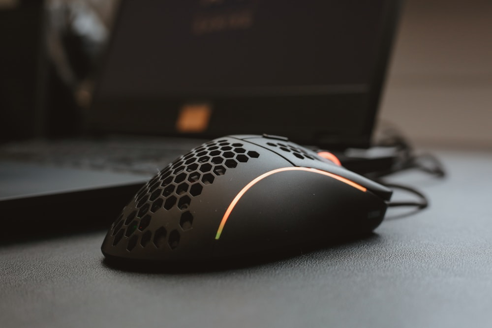black and white corded computer mouse