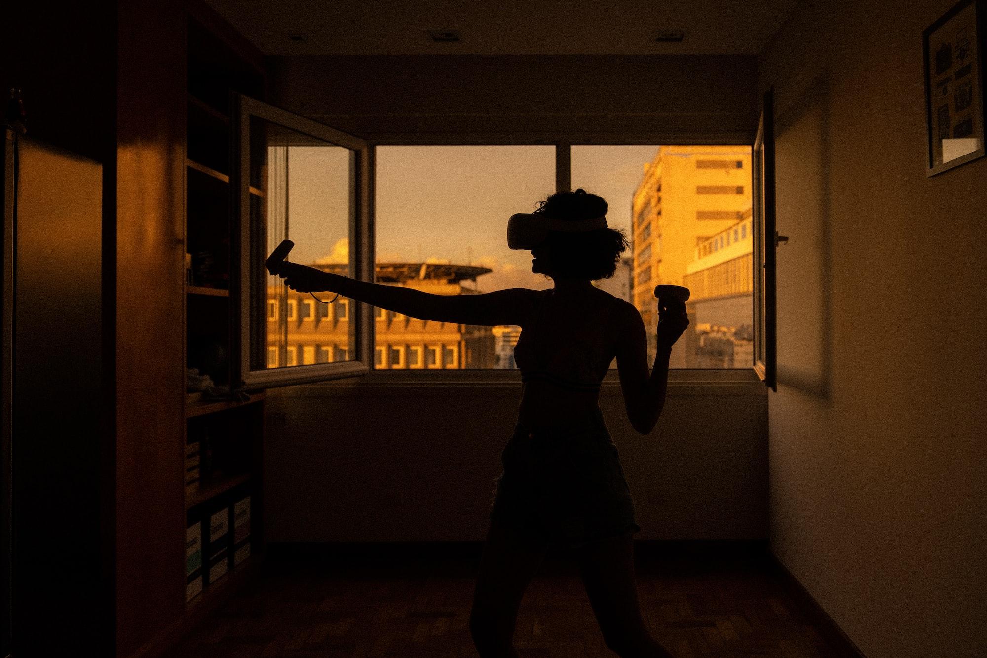 'Eversion': The Real-World Impact of Virtual Self-Organizing Communities