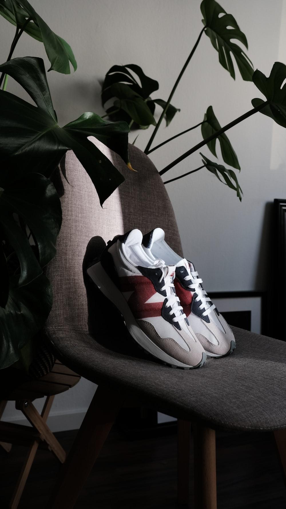 white and black nike basketball shoes