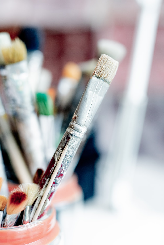 white and brown paint brush