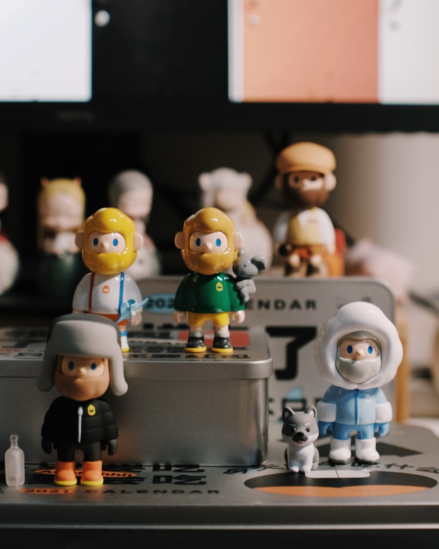 lego mini figures on table