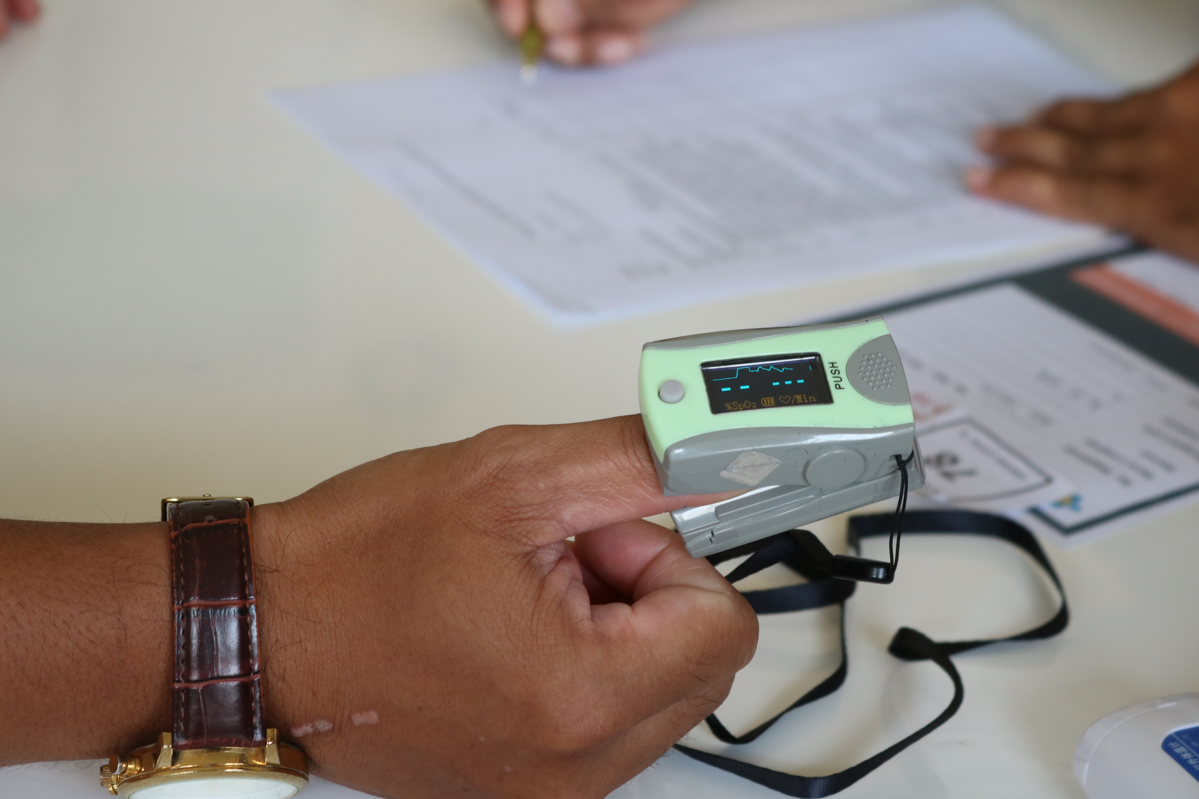 medical examination for covid-19 vaccination screening