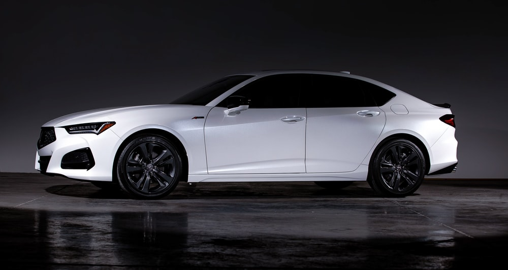 white bmw m 3 coupe