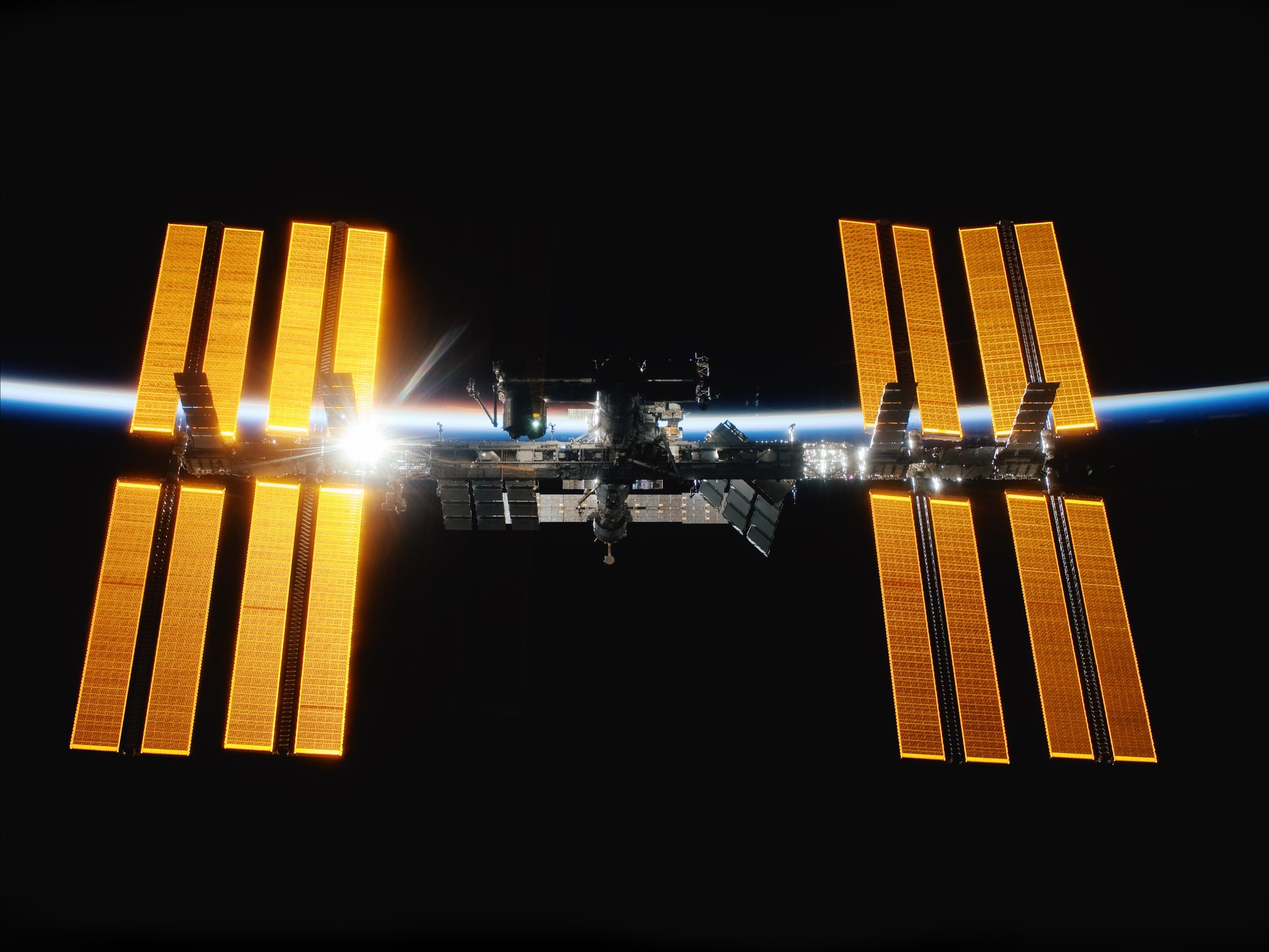 Lawmakers, NASA Officials Plan Commercial Handoff for International Space Station