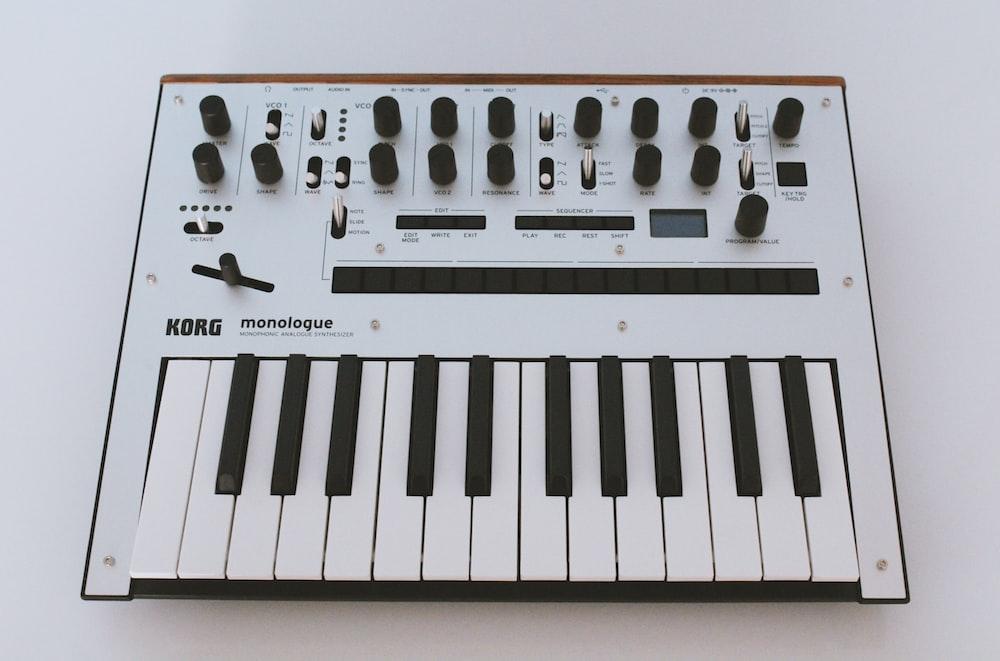 black and white electric keyboard