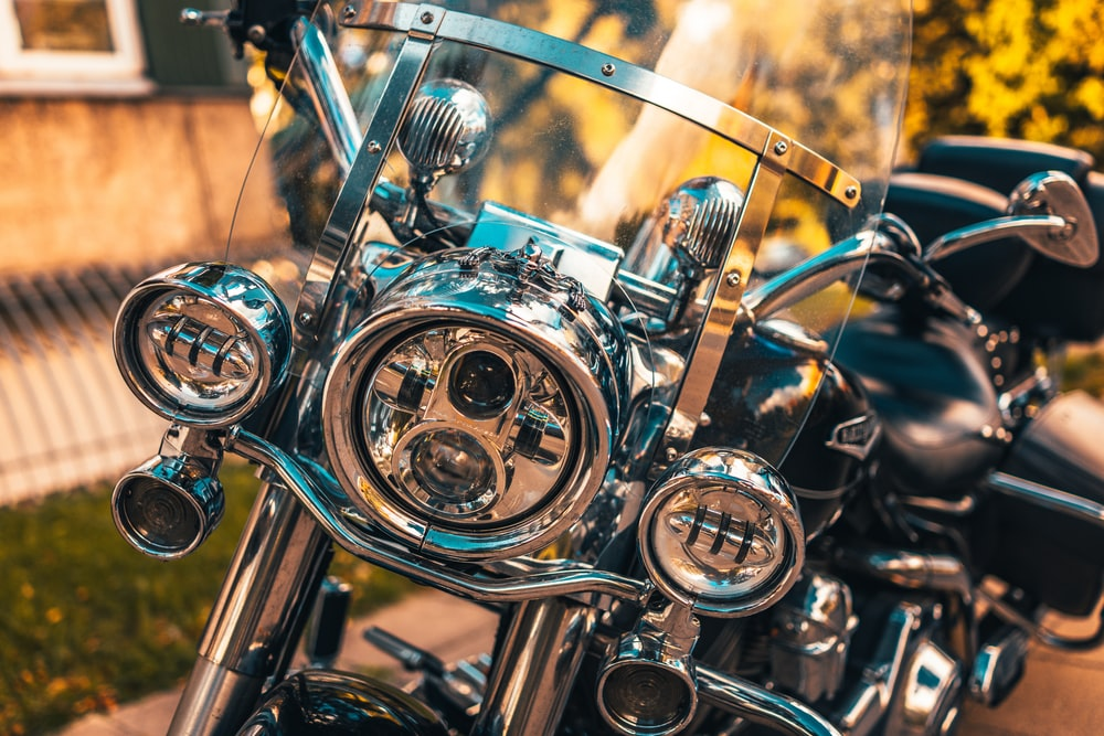silver and gold motorcycle engine