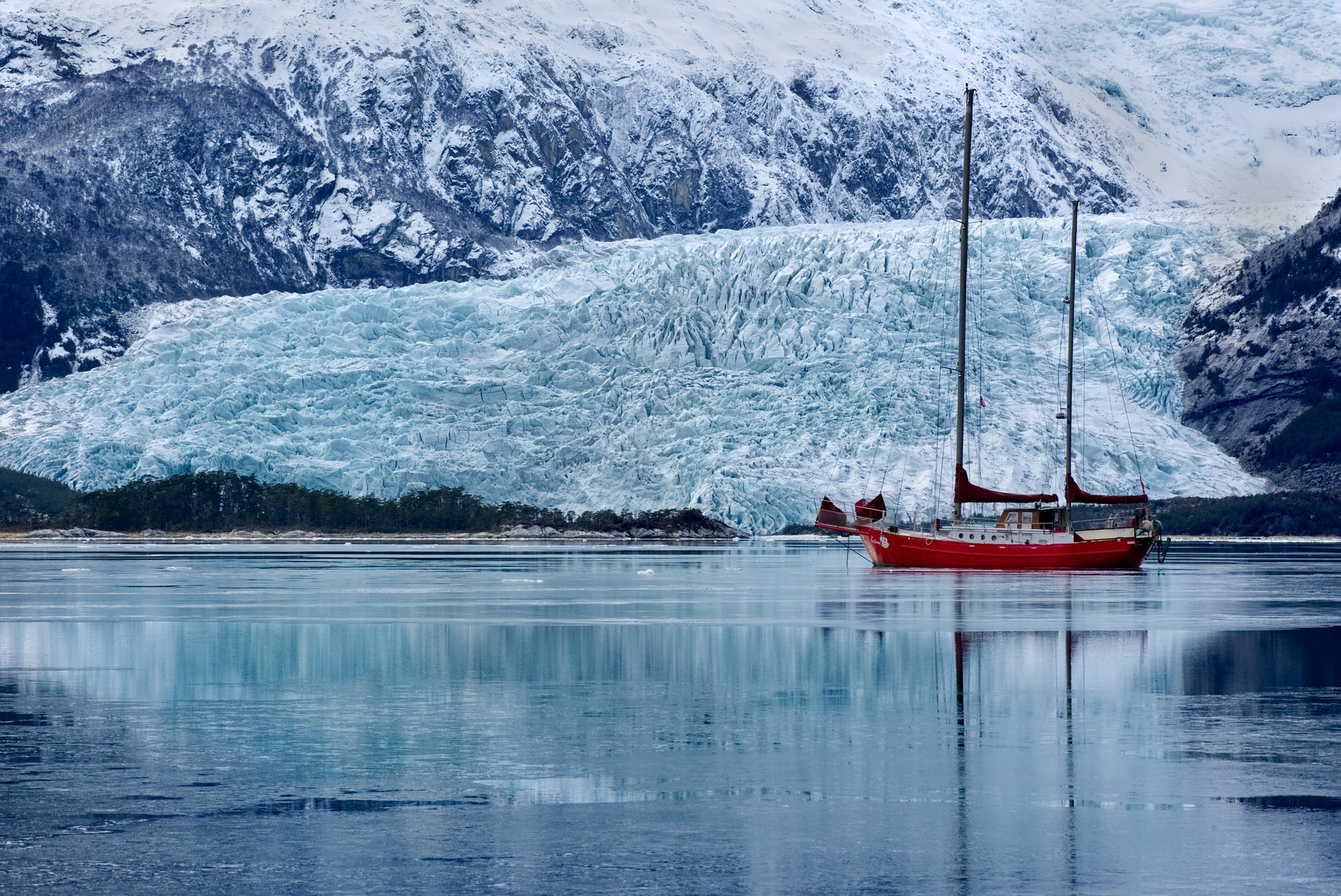 Ankern vor Gletscher in Patatonien