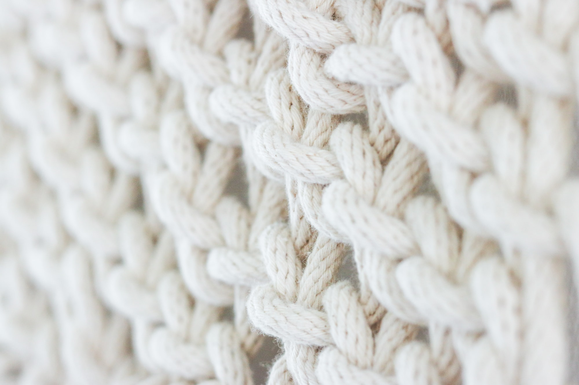Come incrociare una maglia verso sinistra