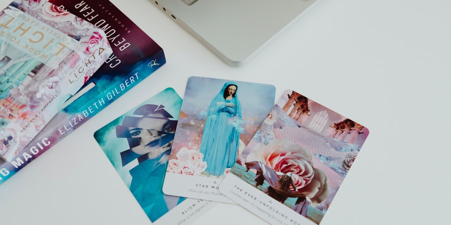 A Step-By-Step Guide To Attracting Love Using Tarot Cards