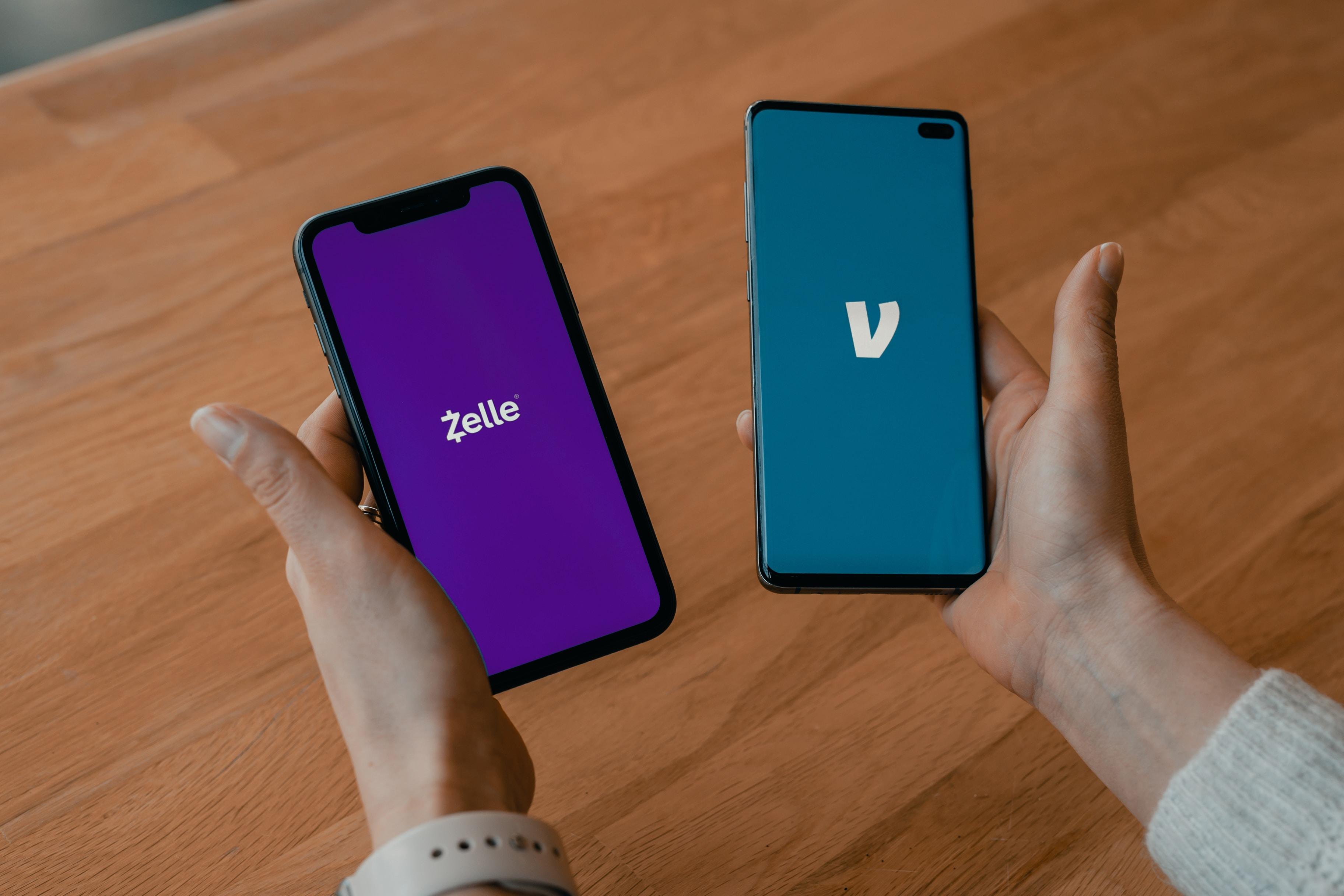Hmm Venmo or Zelle? What's best for money transfer? Via: techdaily.ca - #zelle #cashapp #venmo #wealthsimplecash ferwise #money