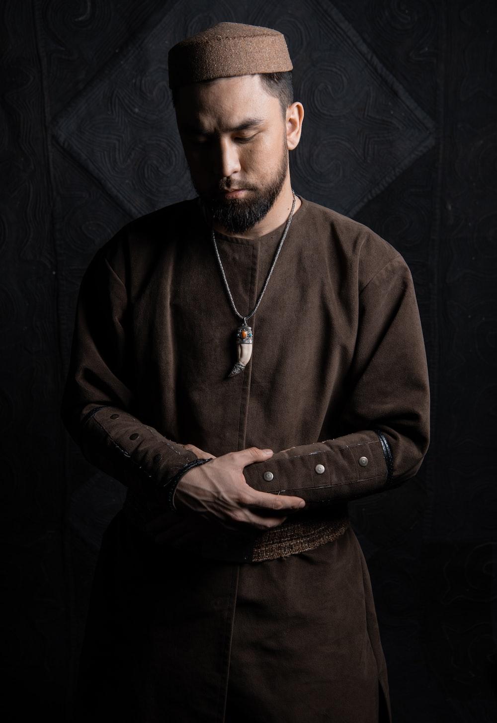man in black long sleeve shirt