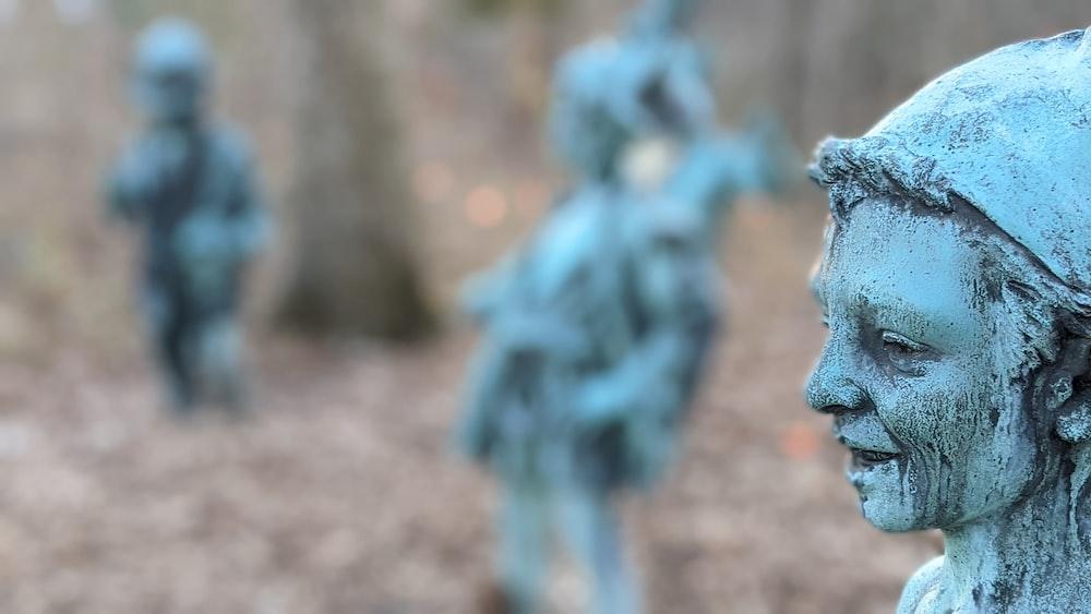 blue and white dragon statue