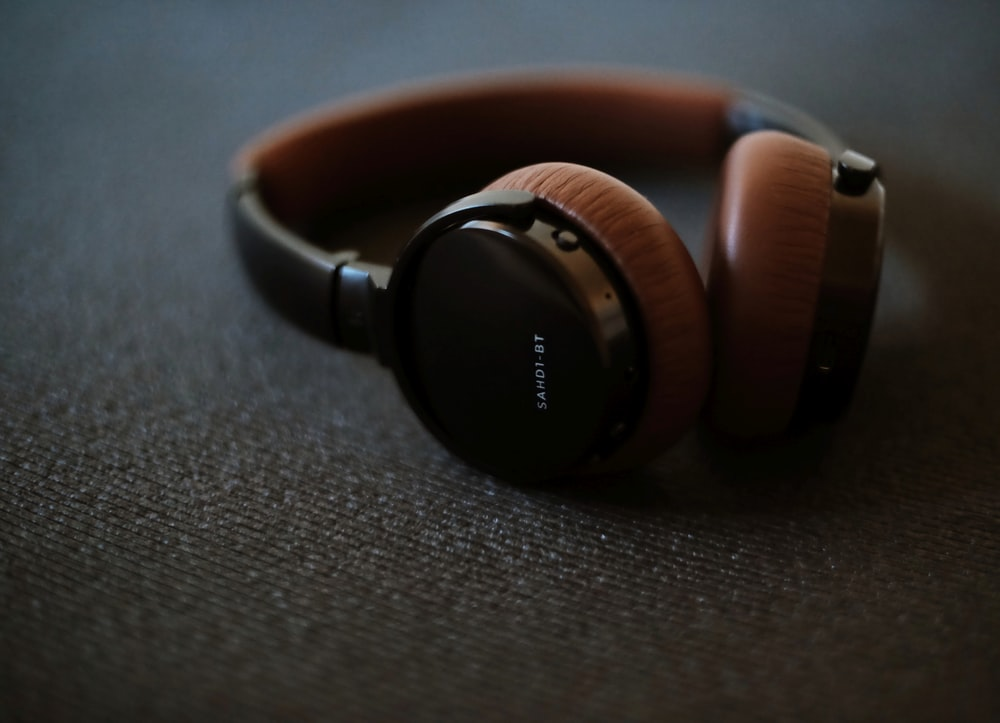 black and brown sony headphones
