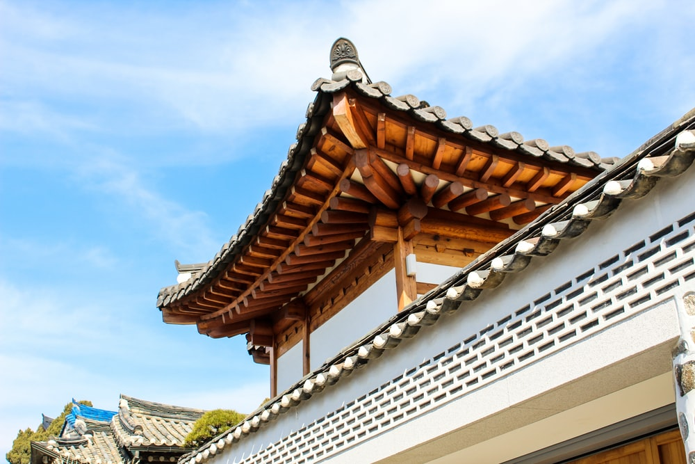 brown and white wooden roof