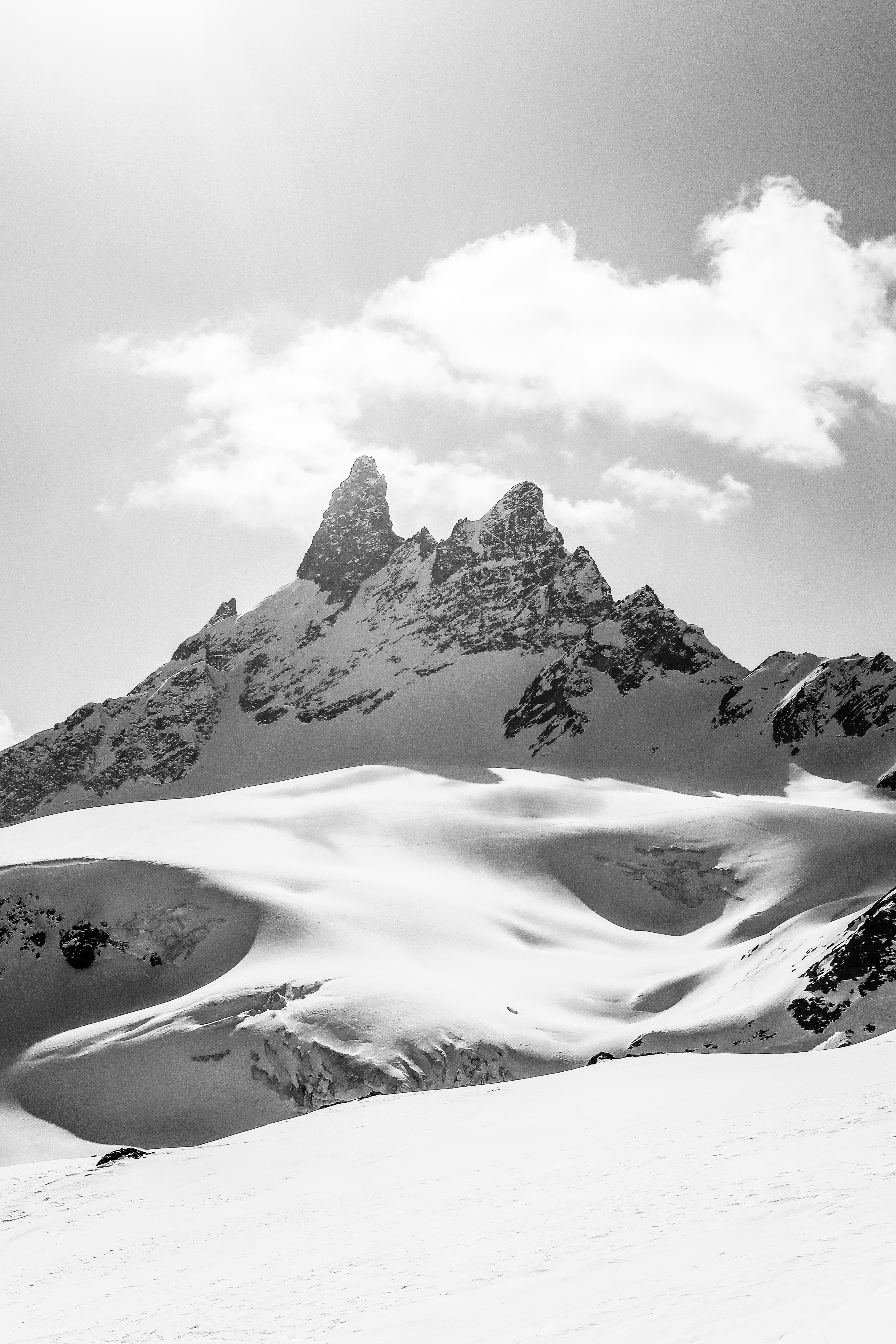 Les Aiguilles Rouges d'Arolla and it's glacier below. This was during a nice sunny skitouring day.