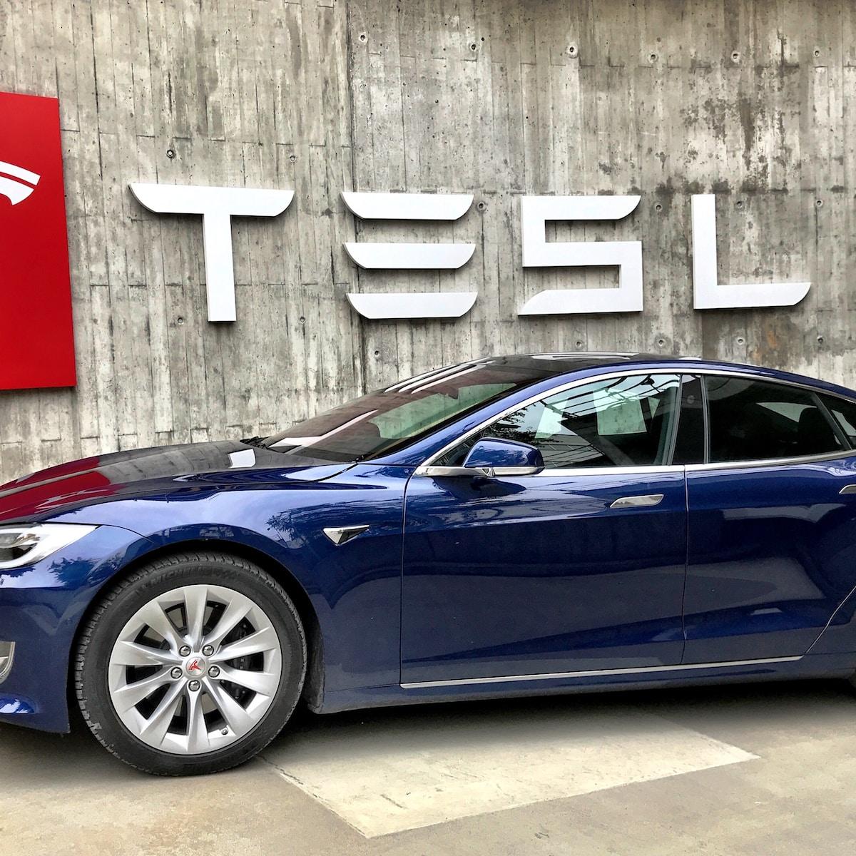 Tesla Superchargers V3